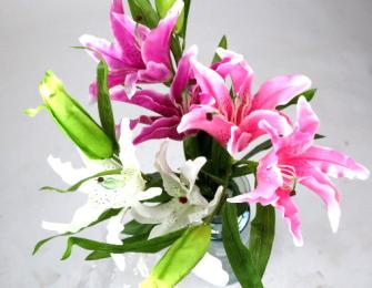 Lilienstiel 2 Blüten und 1 Knospe 107cm ass