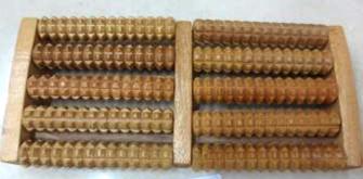 Massage-Rollen für Füsse, Naturholz, 2 mal 5 Rollen, 27 x 12 x 3 cm