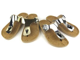 Schuhe Pantolette Zehenteiler Glanz Kunststoff 2ass