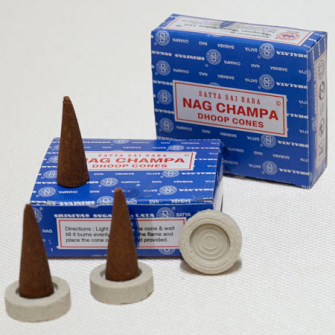 Räucherkegel Nag Champa Dhoop Cones 12er: in Display